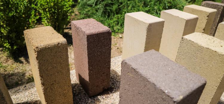 blocchi di terra compressa